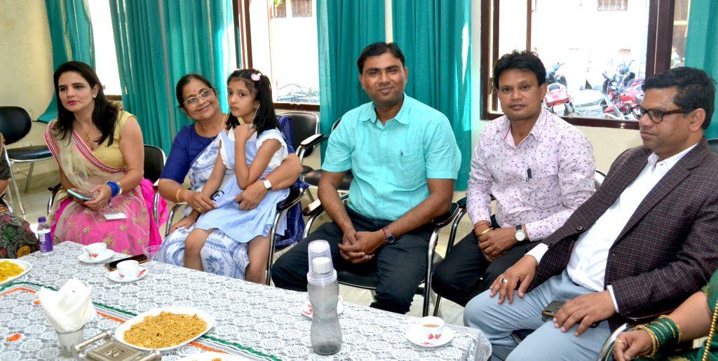 Mueen Akhtar & Vikrant Jha